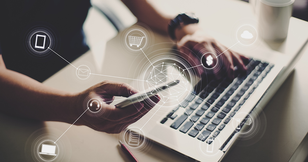 Marketing professional using social media and SEO