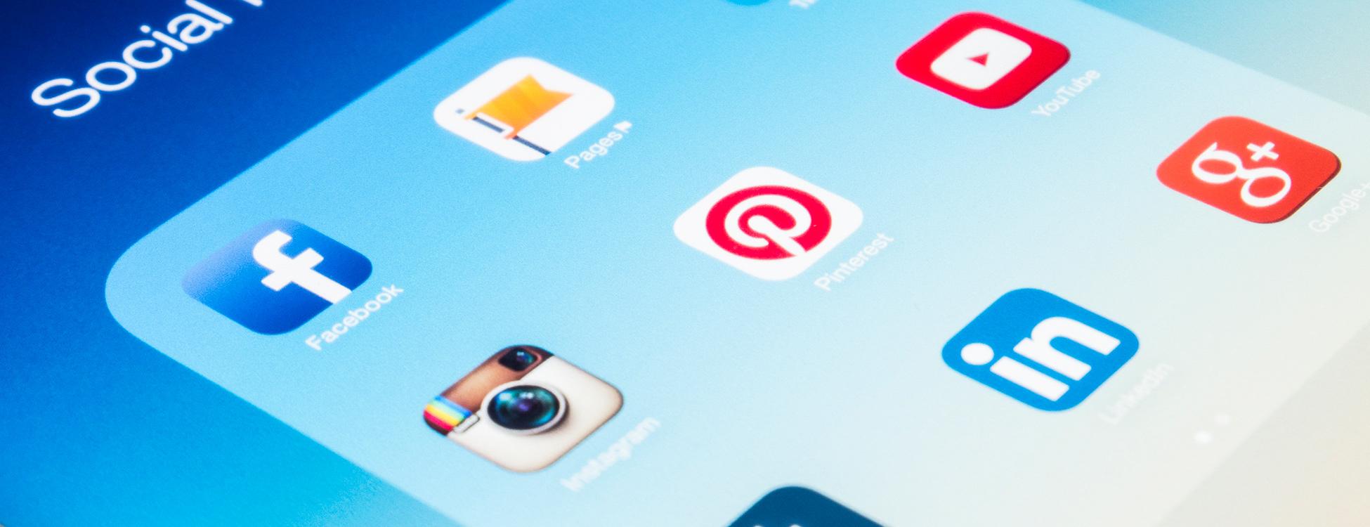 Social media marketing supports SEO services